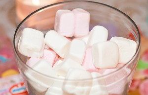 marshmellows-in-a-dish