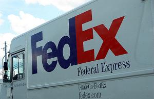 fedex truck shipping the nexus 5x