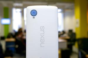 white-nexus-5-01